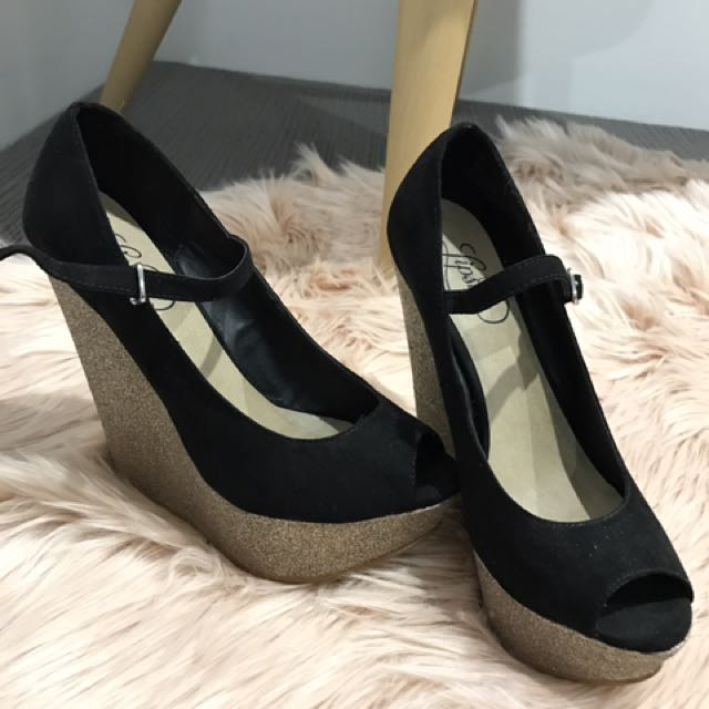 Black And Gold Wedge Size 5