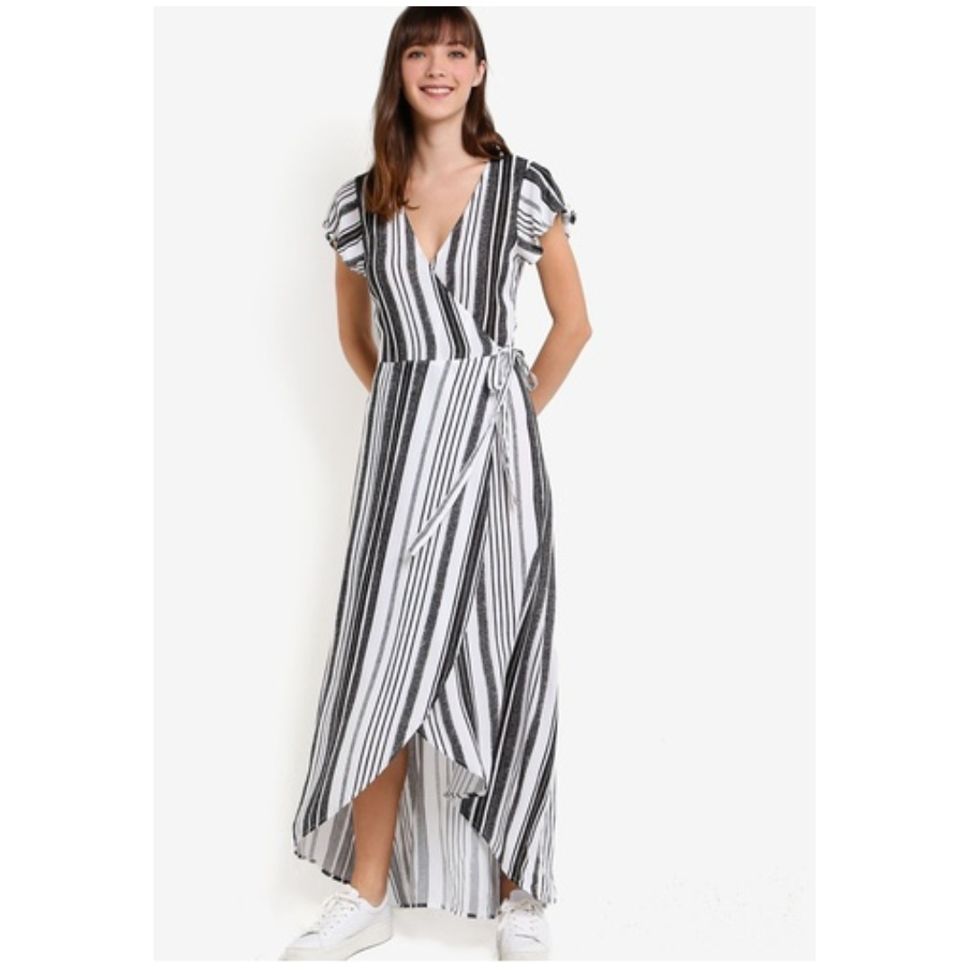 BNWT Beachy Slit Tie Dress