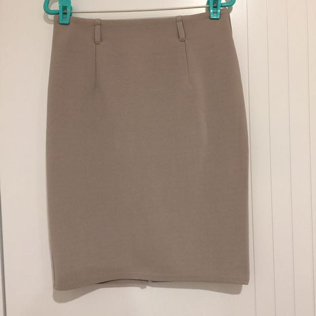 CHICA BOOTI Office Beige Skirt