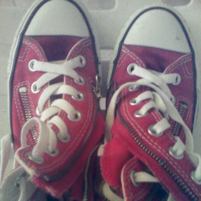 Converse Limited Edition Chucks(red)