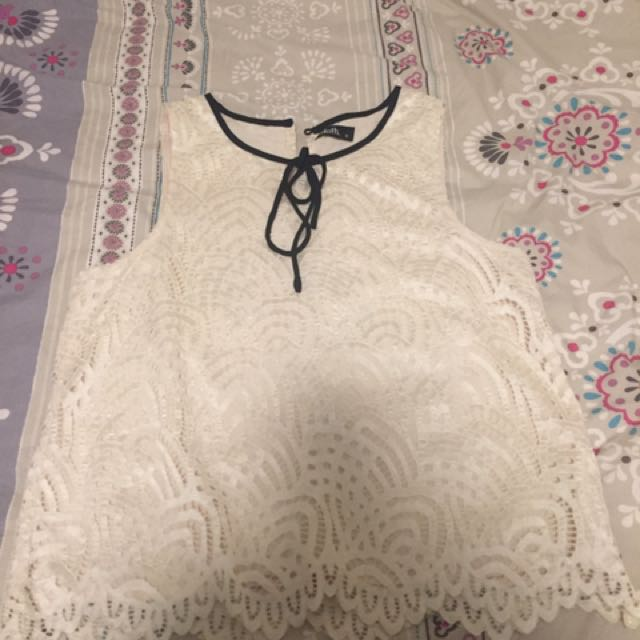 Dotti Size 12 Lace Cropped Top