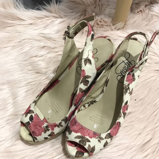 Floral Wedge Sandals Size 6