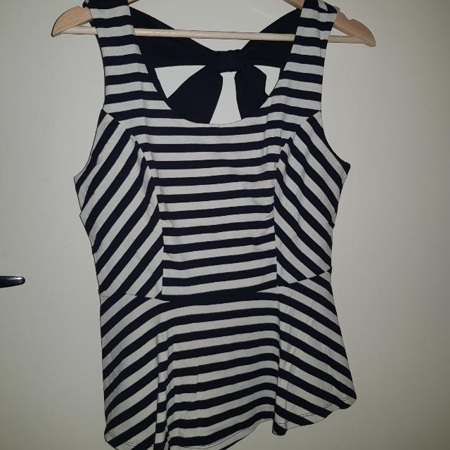 Forever 21 Top Bow On The Back Stripes Black And White