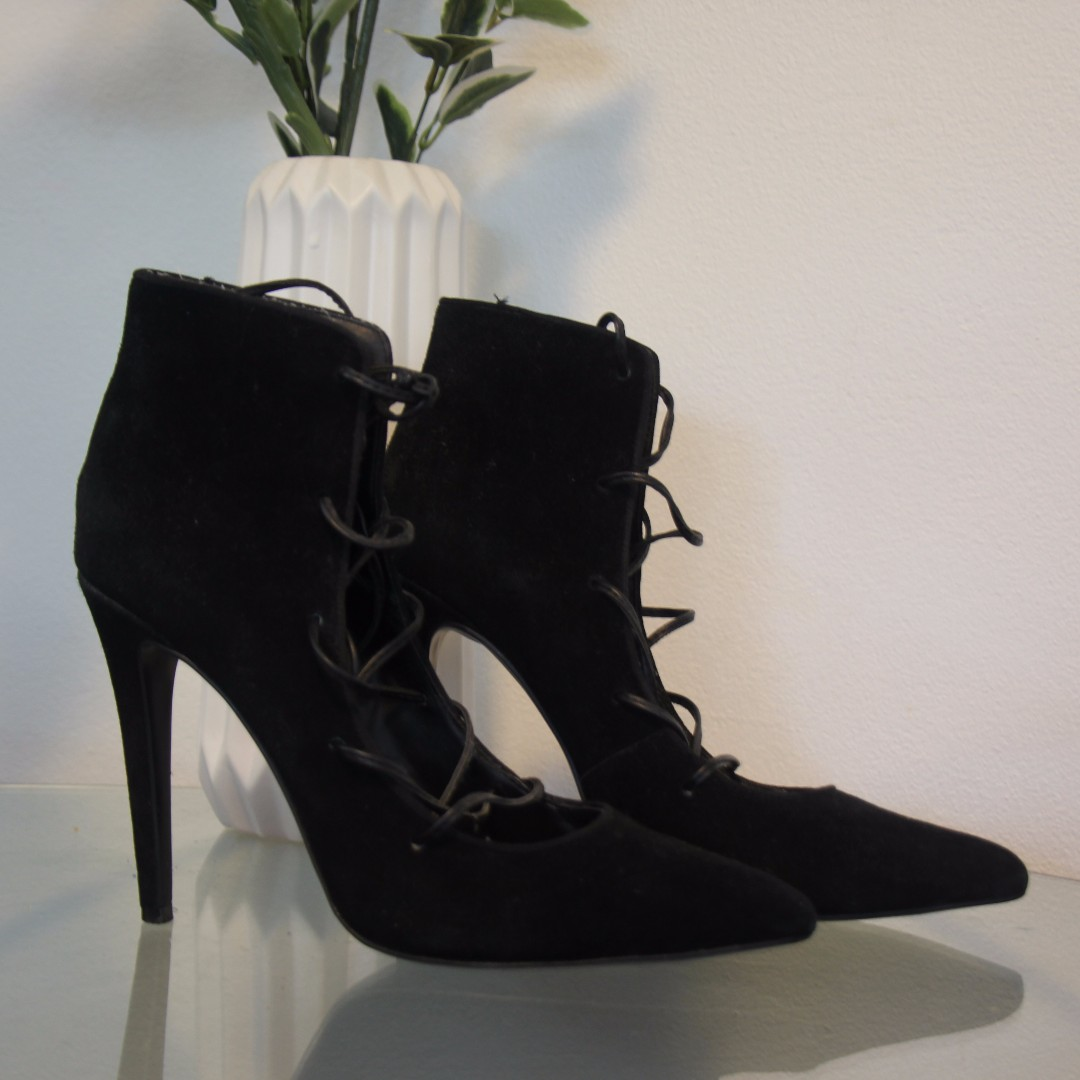 GLAMOUR PUSS size 10 - black suede leather heels tie up laces