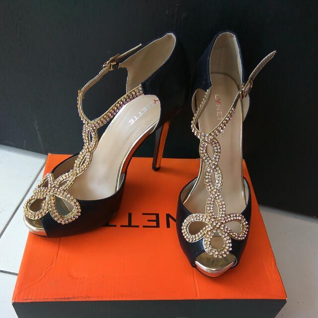 Sepatu High Hells Lynette