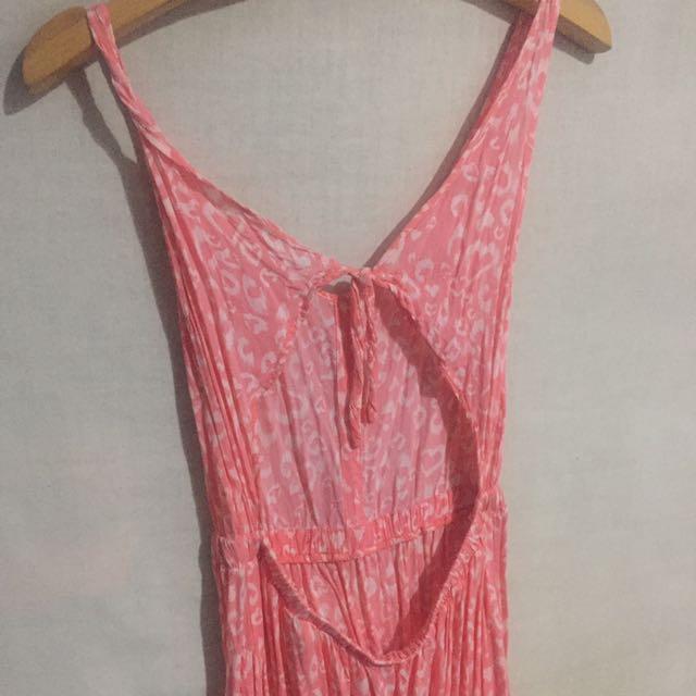 H&M 粉色性感露背洋裝