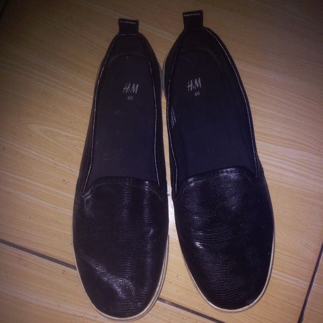 H&M black slip on