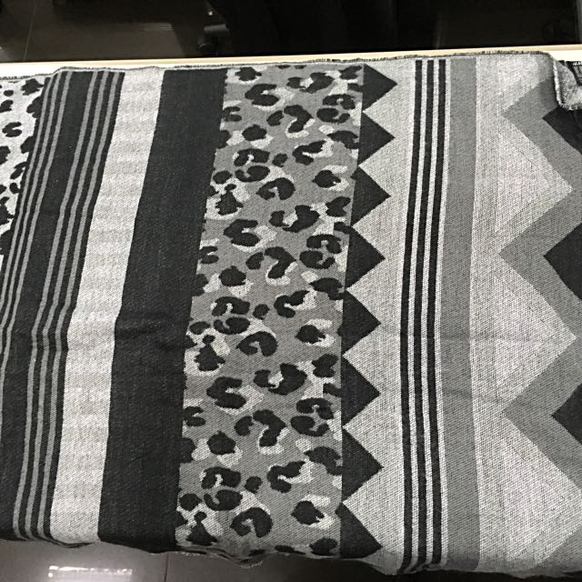 H&M printed shawl