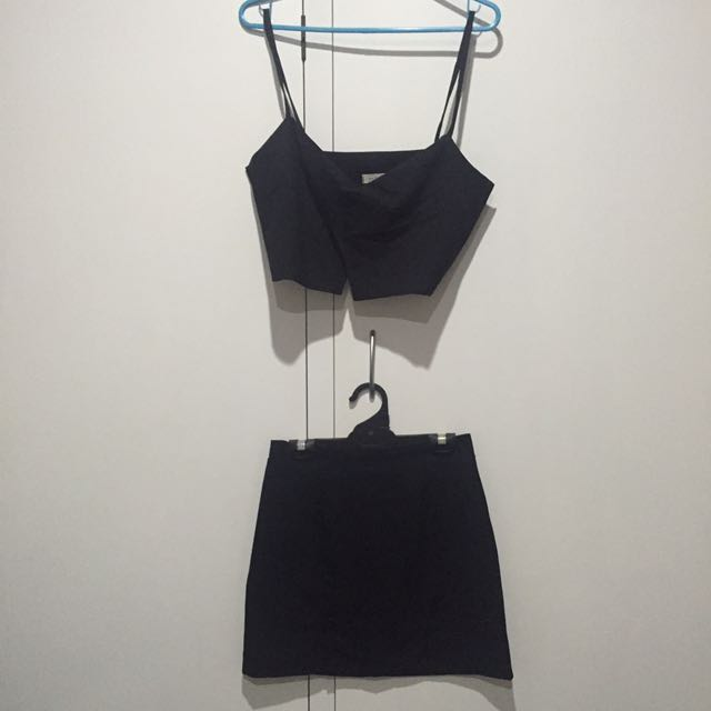 KOREAN STYLE BLACK CROP AND SKIRT SET SIZE SMALL