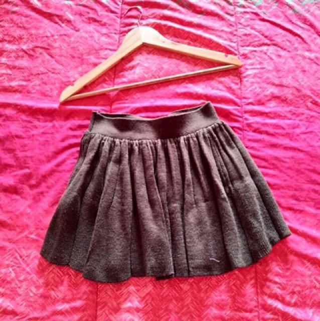 Local Brand Knit Skirt