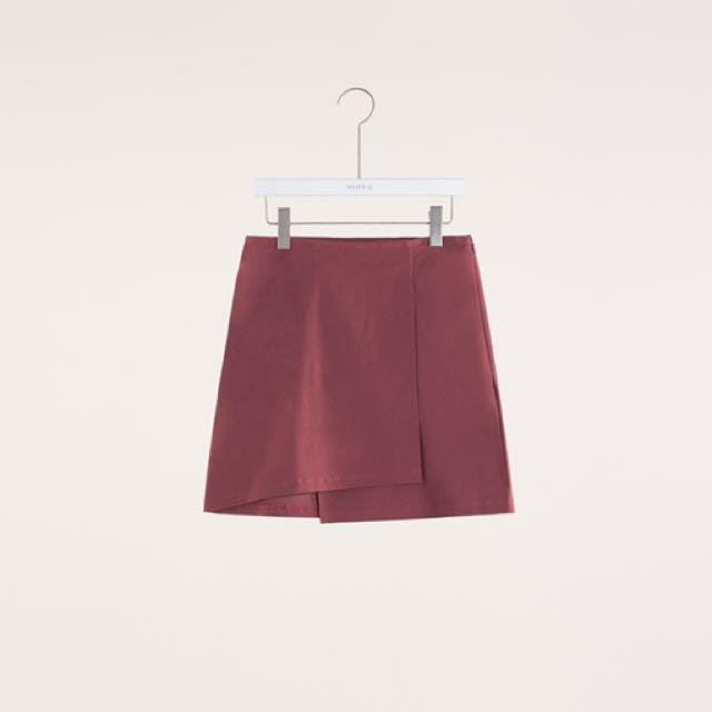 ✨現貨✨MeierQ 紅色 L號 顯瘦設計交疊層次短裙