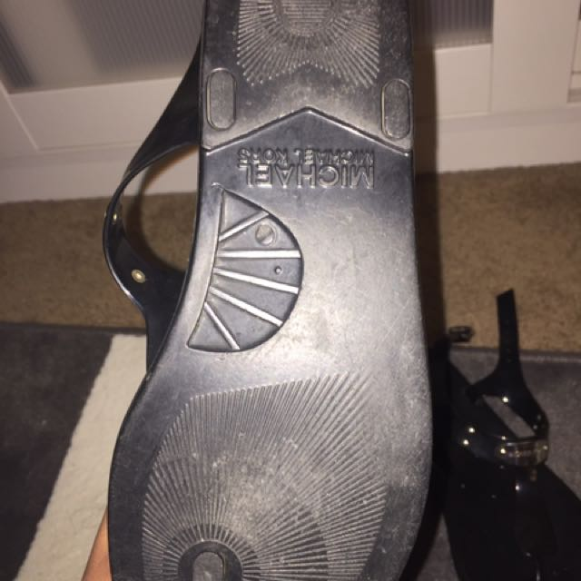 MK MICHAEL KORS Jelly Sandals In Size 8