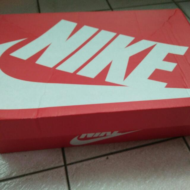 Nike Tanjun 休閒輕量運動鞋