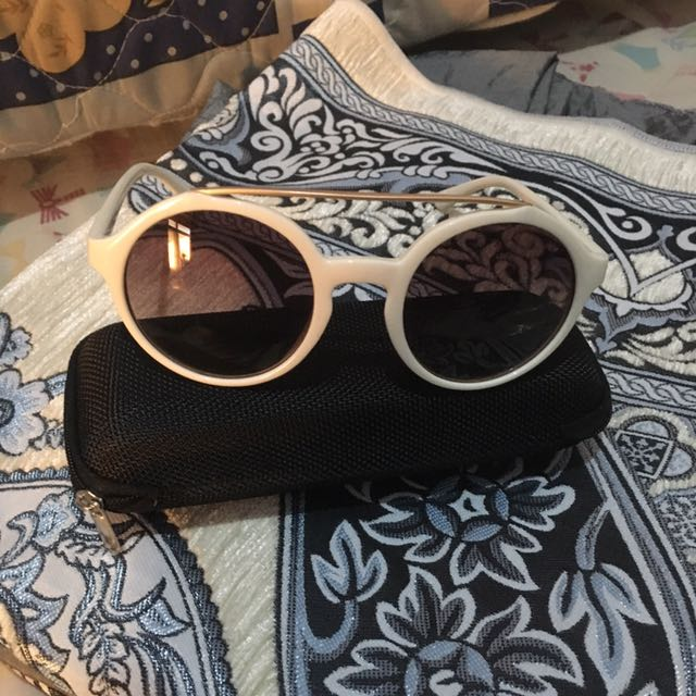 No Brand Woman Sunglasses Broken White