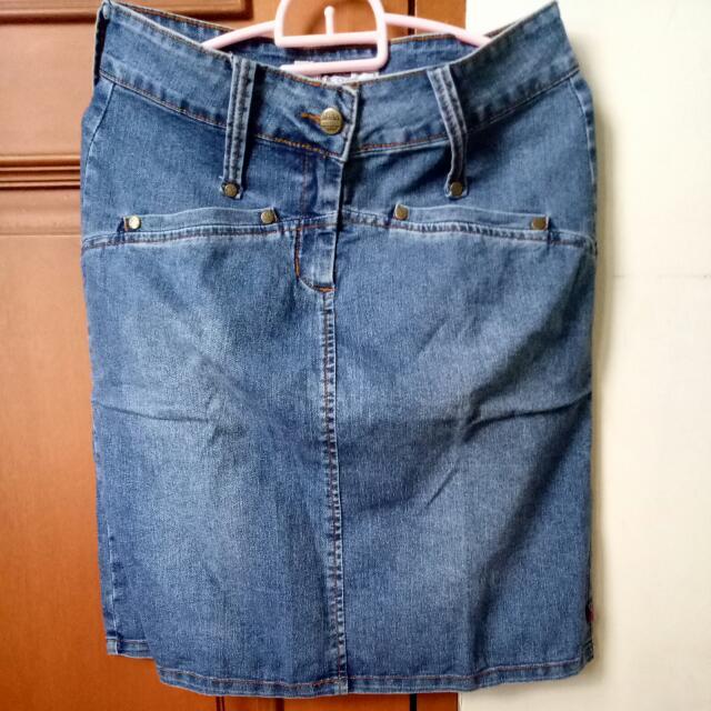Rok Jeans Merek T+BC DENIM Size M