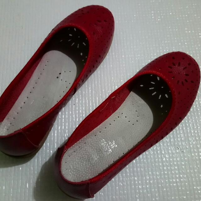Sanok Red Doll Shoes