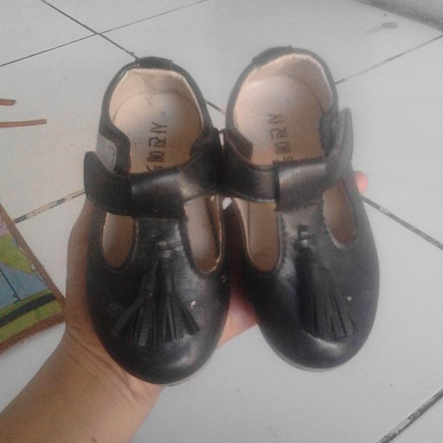 Sepatu Anak Cewek Size 24