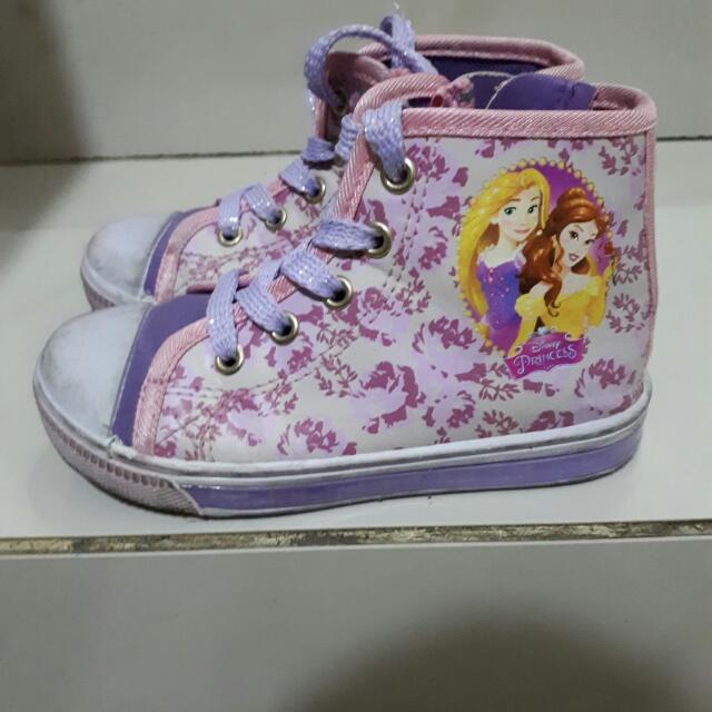 Sepatu Anak Lampu