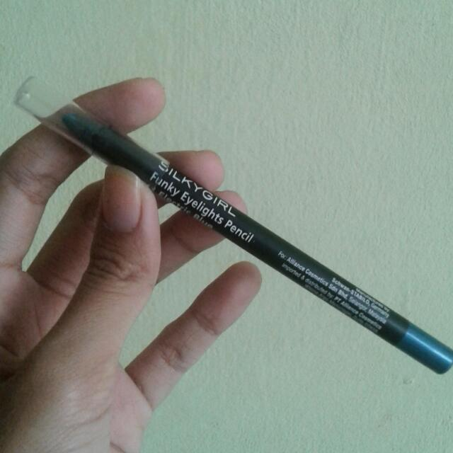 Silky Girl Funky Eyelights Pencil 11 Electric Blue