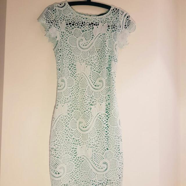 Size 6 Seafoam Green Portmans Lace Midi Dress