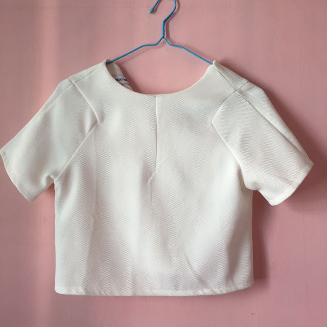 5b93021d TEM white crop top, Women's Fashion, Clothes, Tops on Carousell