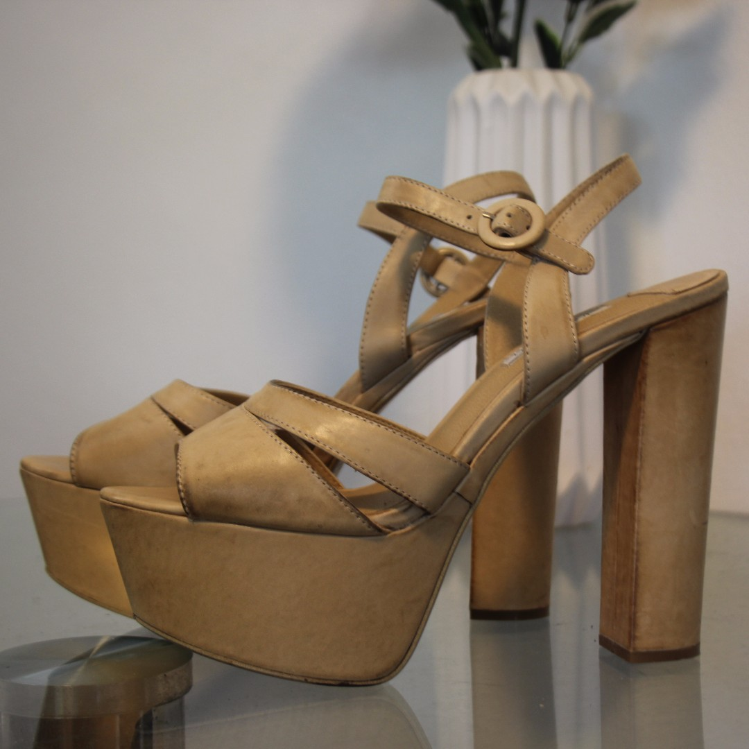 TONY BIANCO size 9 - tan leather platform block heels