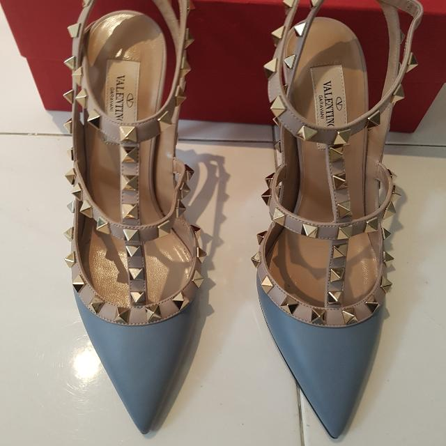 4eda44bc16 Valentino garavani rockstud shoes, Luxury, Bags & Wallets on Carousell
