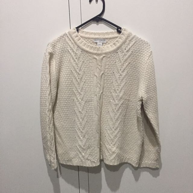 WHITE/CREAM KNIT SWEATER SIZE SMALL