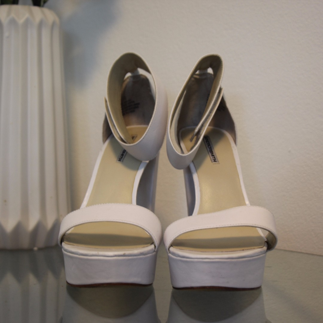 WINDSOR SMITH size 10 white leather block heels