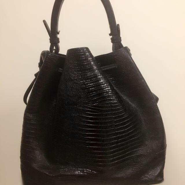 Zara 黑色 真皮 牛皮 水桶束口包