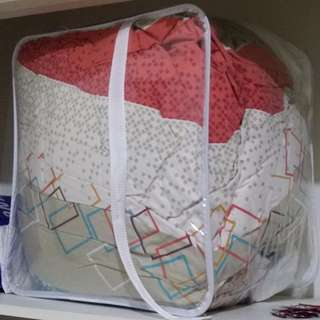Polyester Quilt (Double-bed Size) with FREE Cover and Comforter