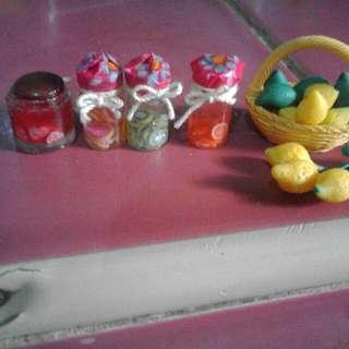 Miniature Jams