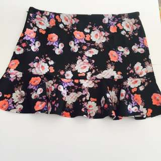 New With Tags Ally Fashion Scuba Floral Mini Size 14