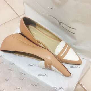 NEW - VNC Shoes Nude