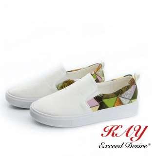白色休閒鞋皮質38碼