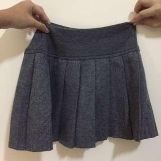 灰色百褶裙