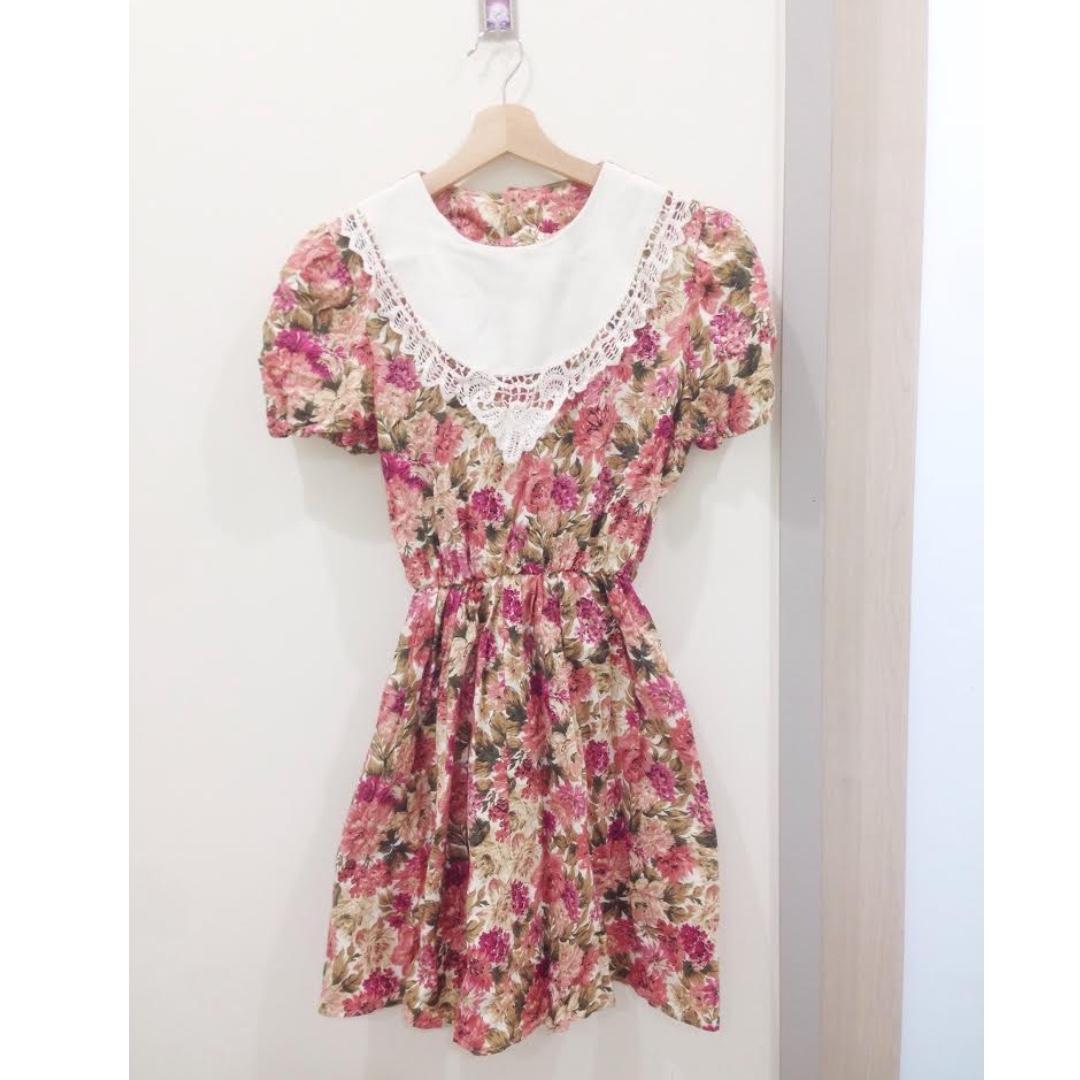 🎈古著。蕾絲領縮腰紅花洋裝