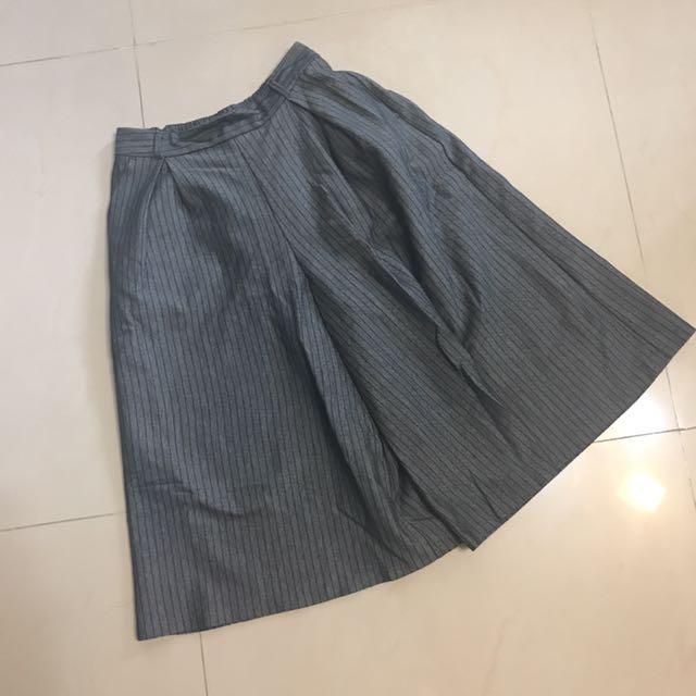 灰條紋寬褲