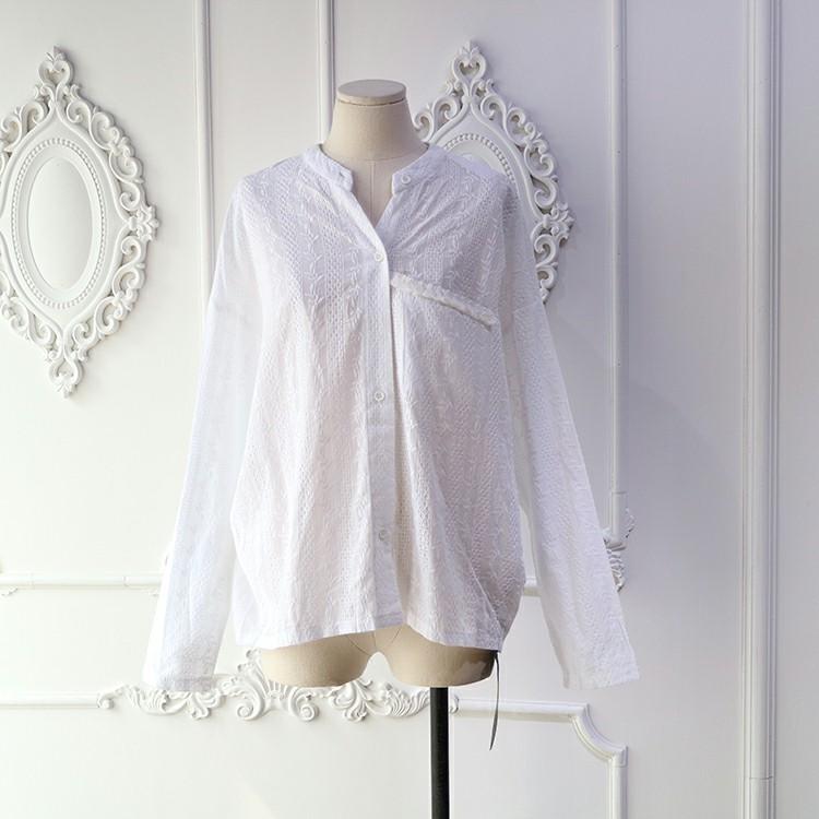 長袖薄款圓領寬鬆純白上衣