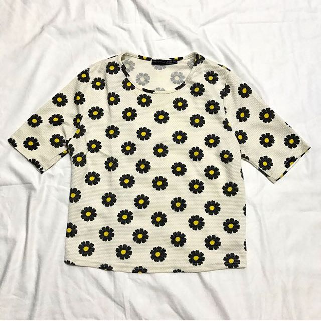 Atmosphere Daisy Top