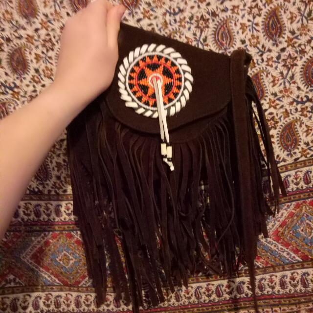 BEADED TASSEL BAG