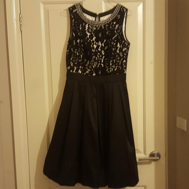 Black And White Review Dress Size 10