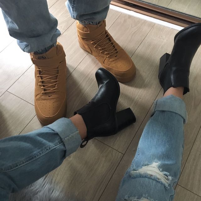 Black Boots (Lipstik)