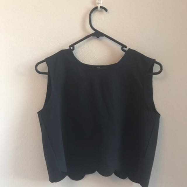 Black Scallop Hem Crop