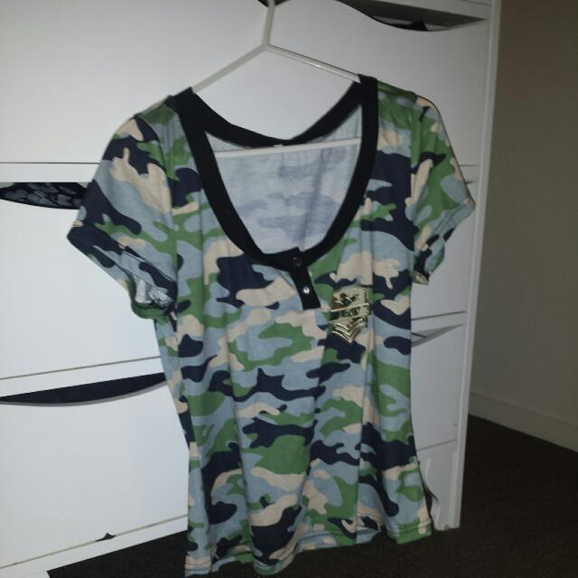 Camou Tee with army patch