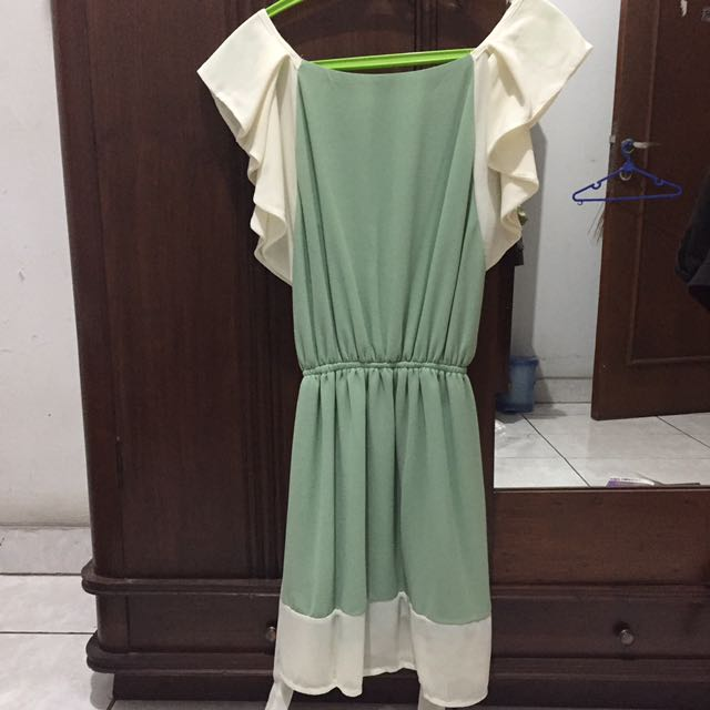 GREEN FLARE DRESS