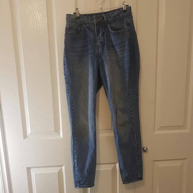 High Waisted Mom Style Washed Blue Jeans Size 8
