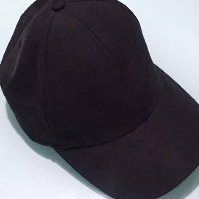 H&M Black Cap