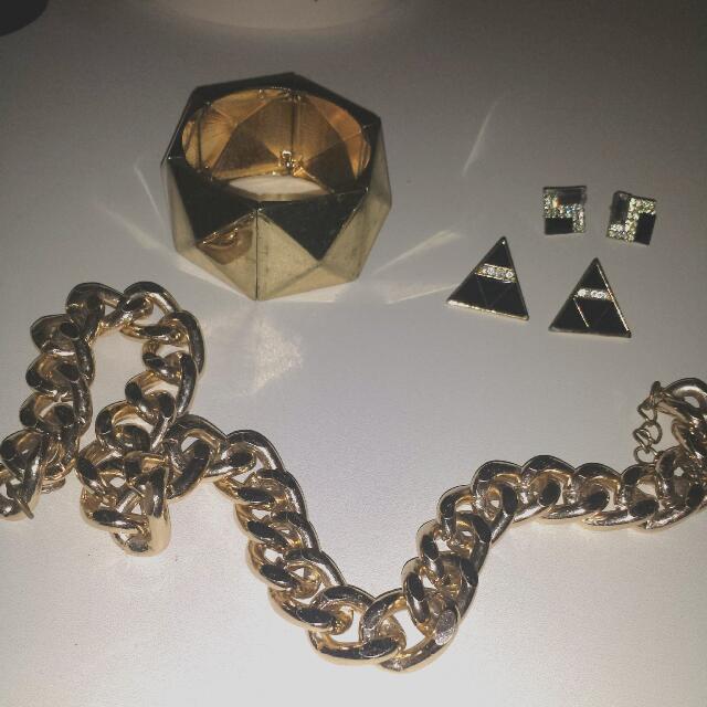 Jewelry Bundle $7