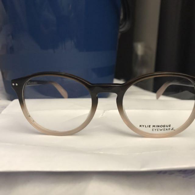 KYLIE MINOGUE Glasses